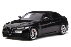 1/18 OTTO Alfa Romeo Giulia Quadrifoglio (Black) Enclosed Car Model Limited 999
