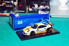1/43 Spark Porsche 911 RSR (991) Gulf Racing Le Mans 2017 Car Model
