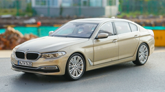 1/18 Dealer Edition G30 5 Series Long Wheel Base 530i 530e 540i 540d (Champagne) Diecast Car Model