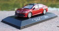 1/43 Dealer Edition 8th Generation 2018 Toyota Camry (Red) Diecast Car Model
