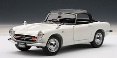 1/18 AUTOart HONDA S800 ROADSTER 1966 (WHITE) Diecast Car Model