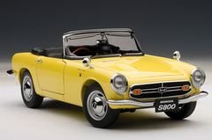 1/18 AUTOart HONDA S800 ROADSTER 1966 (YELLOW) Diecast Car Model
