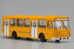 1/43 Dealer Edition 677M Russia Bus (Orange) Diecast Car Model