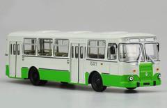 1/43 Dealer Edition 677M Russia Bus (Green) Diecast Car Model