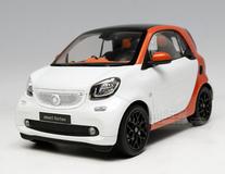 1/18 Dealer Edition Mercedes-Benz MB Smart Fortwo Coupe Hardtop (White / Orange) Diecast Car Model