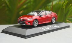1/43 Dealer Edition 8th Generation 2018 Toyota Camry XSE SE (Red) Diecast Car Model