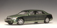 RARE 1/18 AUTOart  MAYBACH 62 LWB (MAYBA IRELAND GREEN MIDDLE / IRELAND GREEN DARK) (B) Diecast Car Model 76161