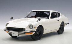 1/18 AUTOart NISSAN FAIRLADY Z432 (WHITE) Diecast Car Model 77438