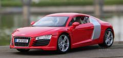1/18 Maisto Premium Edition Audi R8 GT (Red) Diecast Car Model