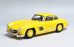 1/18 Minichamps Mercedes-Benz MB 1957 300SL 300 SL Roadster (Yellow) Diecast Car Model Limited 336