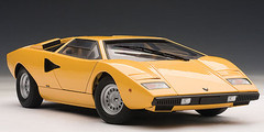 1/18 AUTOart LAMBORGHINI COUNTACH LP400 (YELLOW) Diecast Car Model 74646