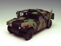 1/18 EXOTO AM GENERAL HUMMER MILITARY COMMAND CAR BATTLE CAMOUFLAGE GREEN