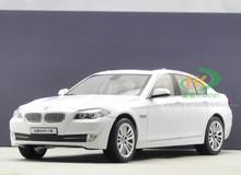 1/18 BMW 550i (White)