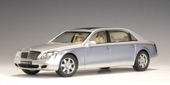 RARE 1/18 AUTOart MAYBACH 62 LWB (NAYARIT SILVER / COTED AZUR BLUE BRIGHT) Diecast Car Model 76163