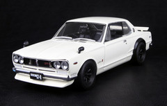 1/18 KYOSHO NISSAN SKYLINE 2000 GT-R (KPGC10) w/ F SPOILER RS WATANABE WHITE