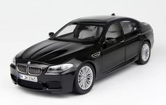 1/18 Paragon BMW M5 (F10) (Cyan/Dark Green Black)