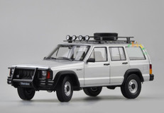 1/18 Dealer Edition Classic Jeep Cherokee (Silver)