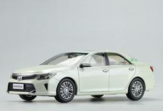 1/18 2015 Dealer Edition Toyota Camry (White) Diecast Car Model
