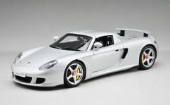 1/18 AUTOart Porsche Carrera GT (Silver)