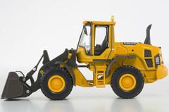 1/50 MOTORART VOLVO L90G Excavator