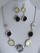 Black and Cream Necklace Set
