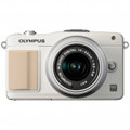 OLYMPUS E-PM2 Mirrorless Micro Four Thirds Digital SLR Camera with 14-42mm f3.5-5.6 II Lens (White) - V206021WU000