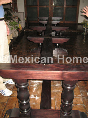 Table base for big burrito