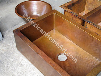 Copper Farmhouse Sink Single Well 30x22x9 Corner view Old Natural