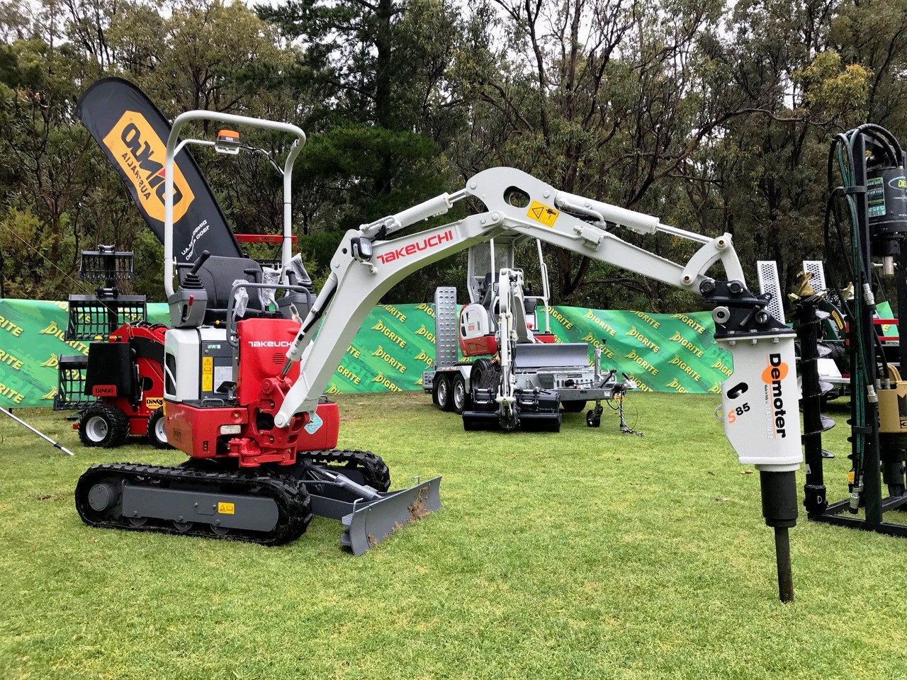 New Takeuchi TB210R 1 2t Reduced Swing - Digrite