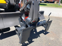 Mecalac CONNECT to universal skid steer adapter by Digrite