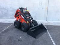 Thomas 25G Wheeled Petrol Demo Model Mini Loader