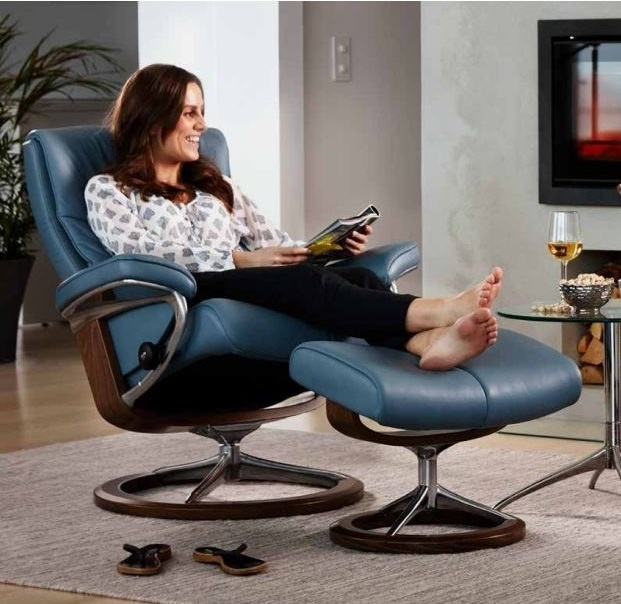 Relax and Unwind with a healthier back: Choose Stressless.