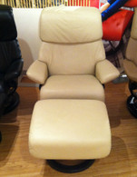 Medium Dream Stressless Recliner- Kitt Paloma Leather with Wenge Wood.