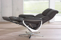 The Africa Chair by Himolla- Fully reclined position.