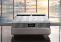 The Nuvola Dual 12 features a Dual Core which allows comfort customization by simply flipping the 2 internal cores of the mattress.