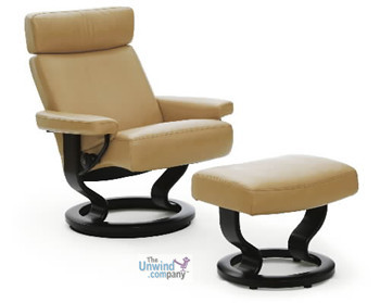 Ekornes Taurus in Tan Paloma leather with Wenge Stained Wood.