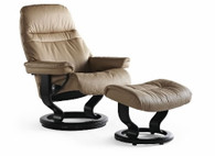 Ekornes Sunrise in Latte Batick leather, Wenge Stained wood