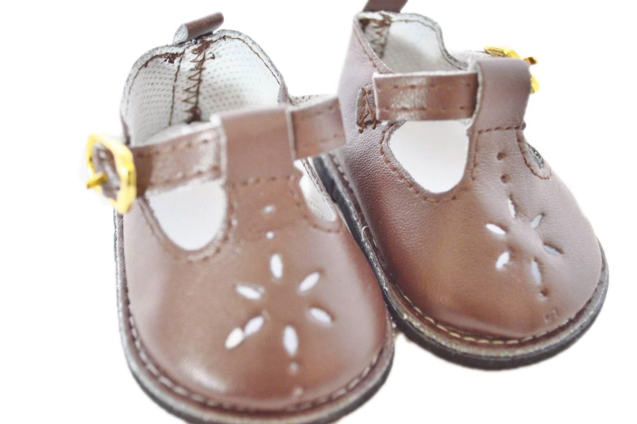 5fe57731e0b6 ... Brown Flower Shoes For American Girl Dolls. Image 1. Loading zoom