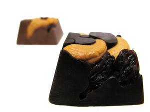 Brooklyn Chunkie Originals- Roasted cashews and California raisins.