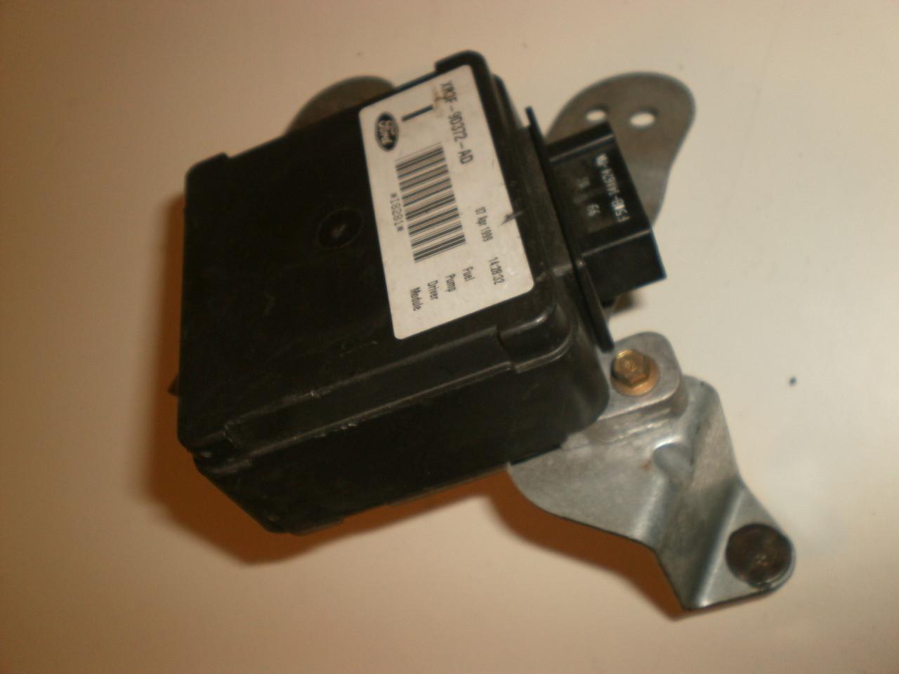 2001 Mustang Fuel Pump Relay Location