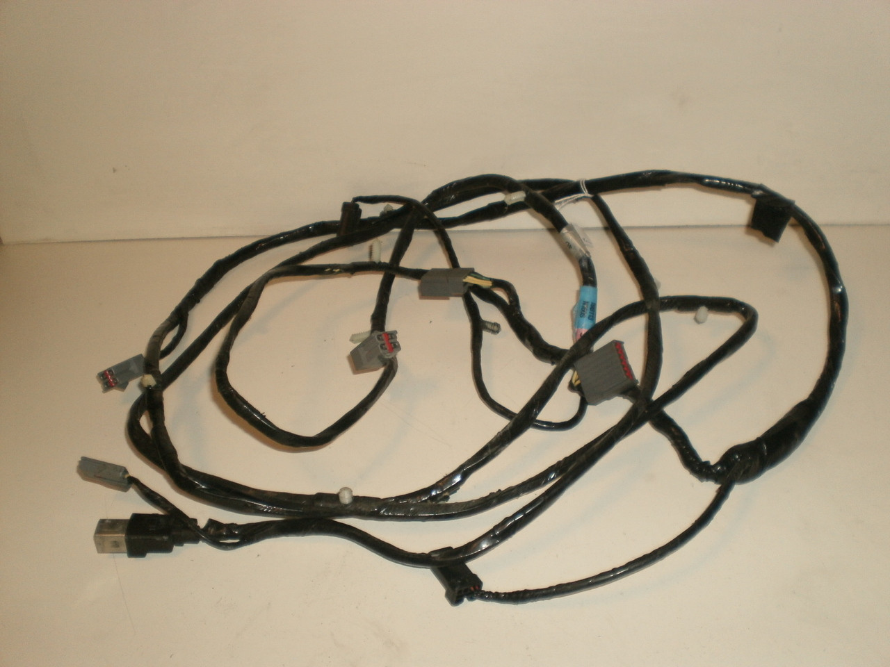 1994 2004 Ford Mustang Rear Mach 460 Amps Amplifiers Sterio 1995 Wiring Harness Stereo With Cd Larger More Photos