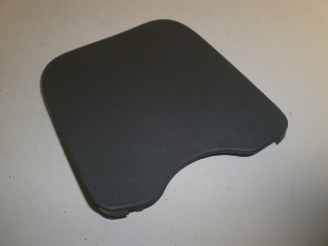 2000-2004 Ford Focus Dash Gray Fuse Panel Door Lid Cover Trim 98AB-14A075-BDW on 2000 ford focus neutral safety switch, 2000 ford focus ac compressor, 2000 ford focus ignition relay, 2000 ford focus water pump replacement, 2000 ford focus fan relay, 2005 ford focus zx4 fuse box, 2000 ford focus brake light switch, 2010 ford flex fuse box, 2005 ford crown victoria fuse box, 2000 ford focus frame, 1985 ford bronco fuse box, 2000 ford focus evap canister, 1993 ford mustang fuse box, 2000 mitsubishi galant es fuse box, 2000 ford focus brake booster, 2008 ford taurus fuse box, 2000 ford focus speedometer, 2000 volkswagen golf fuse box, 2000 dodge ram 2500 fuse box, 2000 chevrolet malibu fuse box,