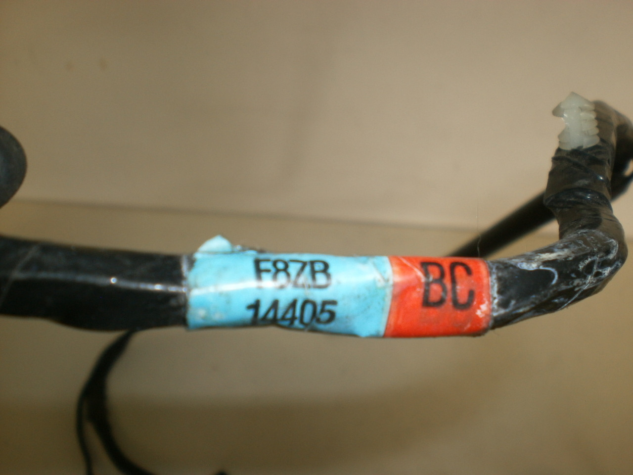 Ford Windstar Fuel Pump Wiring Together With 2000 Ford Expedition Door