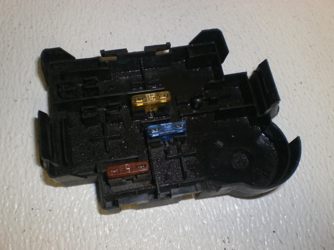 1998 2001 ford mustang center console wire harness loom1994 1998 ford mustang under dash fuse box cover lid shield location diagram f1ab 14a003 aa