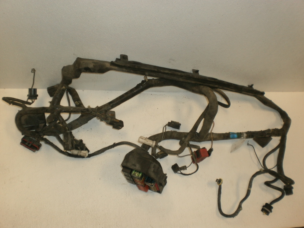 1994 1998 ford mustang 3 8 water pump pulley serpentine belt lx v6 f6zz 2004 Mustang Wiring Harness 1997 ford mustang engine bay fuse box block power distribution wire harness w abs anti lock brake 4 6 f7zb 14290 cc
