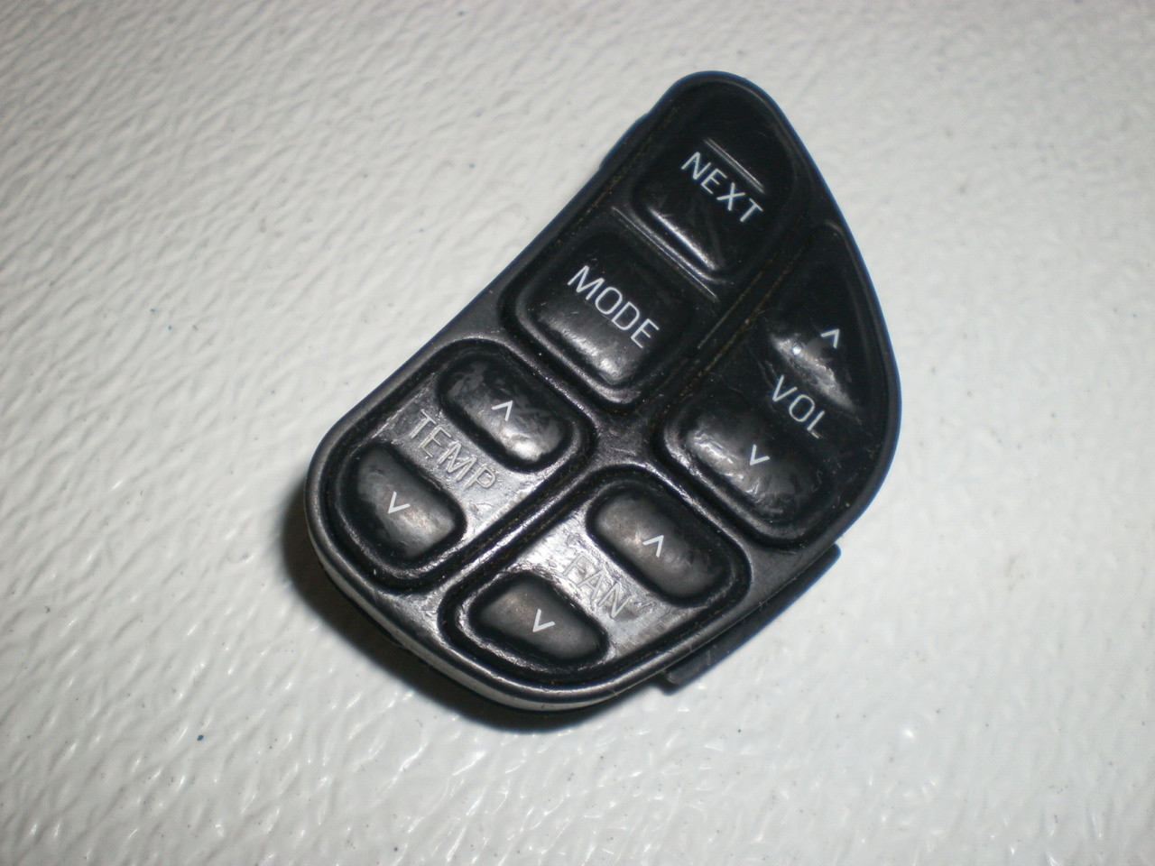 1997 2001 Ford Explorer Mountaineer Steering Wheel Switch Heater Radio Volume Control Right Analog F80f 18c844 Ba