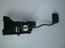 2005-2009 Ford Mustang Automatic Brake Pedal Arm Hanger Assembly 7R33-2450-AA