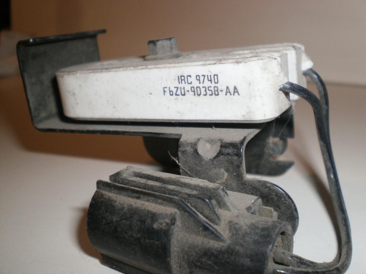 1996 1998 Ford Mustang 46 Gt Cobra Fuel Pump Resistor Under Fender Filter Location Larger More Photos