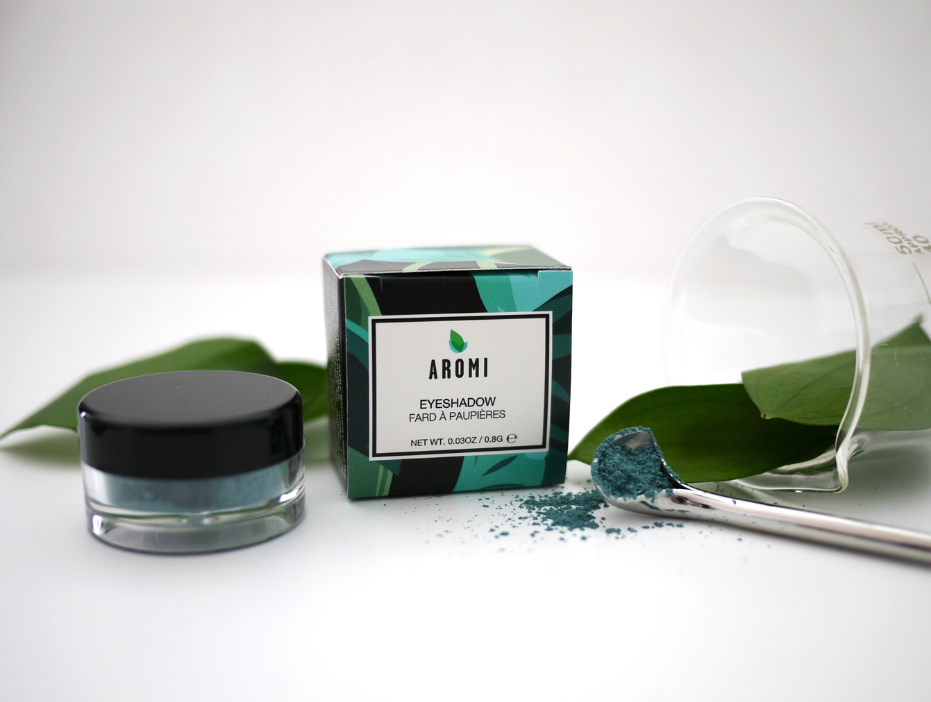 Aromi Teal Loose Mineral Eyeshadow - handblended in small batches with the finest minerals, pigments, and ingredients available.