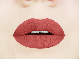 ginger spice liquid lipstick swatch
